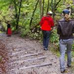 Die Kameraleute auf den Spuren der Familienwanderung