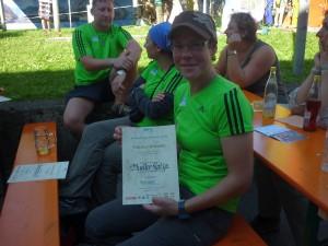 Katja Müller aus Köln mit der Teilnehmerurkunde
