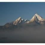 Watzmann mit Schnee und Nebel von Guido Kosch