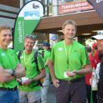 Berchtesgadens Bürgermeister Franz Rasp mit den Bergführeren