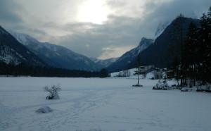 Spuren auf dem Eis am Hintersee