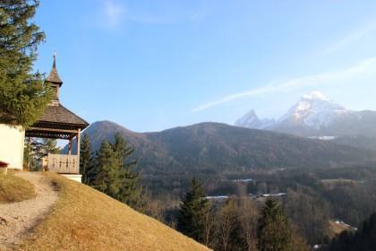 Die Kapelle mit Watzmann