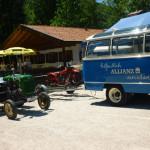 Oldtimerbus und Traktor