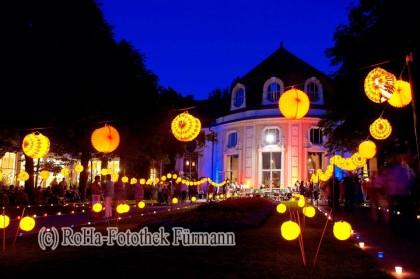 1000 Lampions beleuchten den Kurgarten