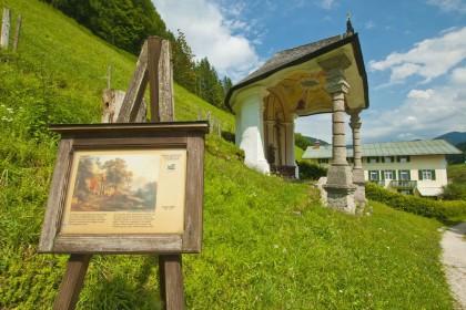 """Schautafel an der Kalvarienbergkapelle in der Ramsau (Maler Joseph Höger aus Wien """"Die Kalvarienbergkapelle"""")"""