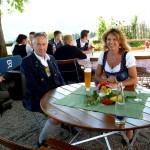 Bürgermeister Enzinger mit BR Live-Reporterin Anja Marks-Schiffahrt