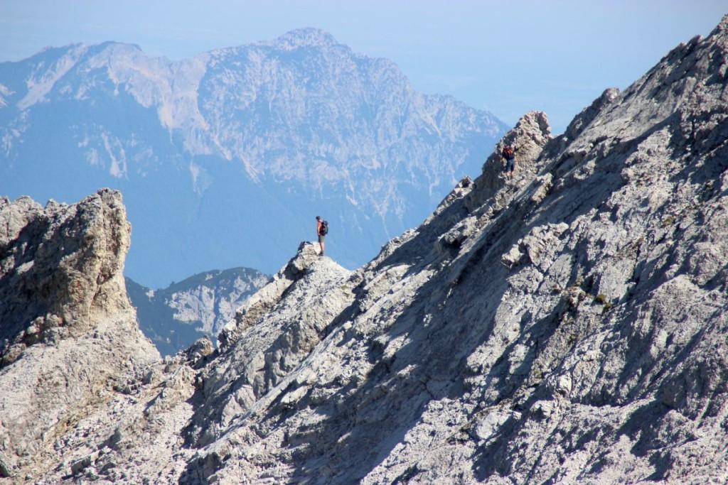 Bergsteiger bei der Hocheis-Umrahmung