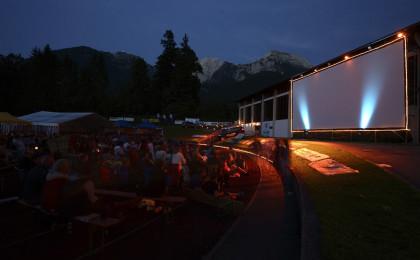Open Air Kino am Schneewinkl-Sportplatz in Schönau