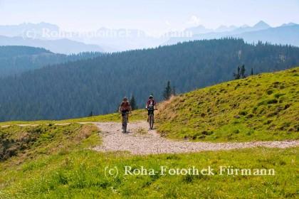 Mountainbiker auf der Stoißeralm © RoHa-Fotothek