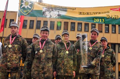 Siegermannschaft der Gebirgsjägerbrigade 23 beim Gebirgsjäger-Wettkampf Edelweiß Raid 2013 © Vizeleutnant Martin Hoerl, Österreichisches Bundesheer