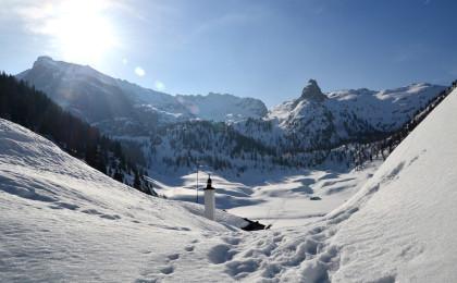 Kärlingerhaus und Funtensee sind tief verschneit
