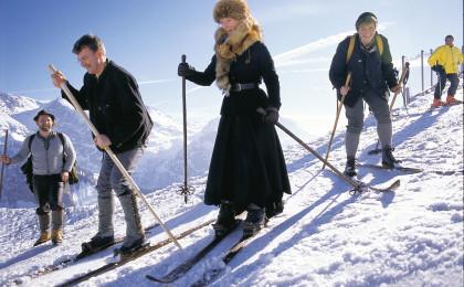 Nostalgie Skirennen Charivari am Jenner