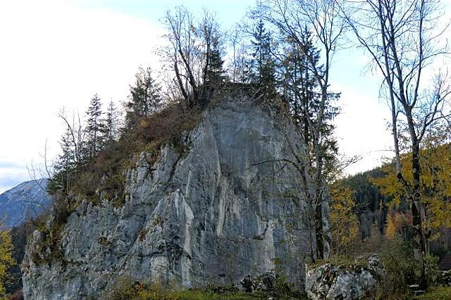 Der Priesterstein in Oberau
