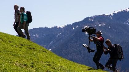 Werner Schmidbauer und Georg Hackl auf dem Weg zur Kneifelspitze | Bild: BR/Werner Schmidbauer
