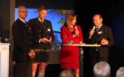 NaPa-Direktor Dr. Vogel, Bgm. Franz Rasp und Landrat Georg Grabner mit Moderatorin Gisela Oswald vom Umweltministerium