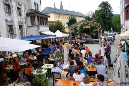 Bühne an Triembacher-Eck beim Marktfest