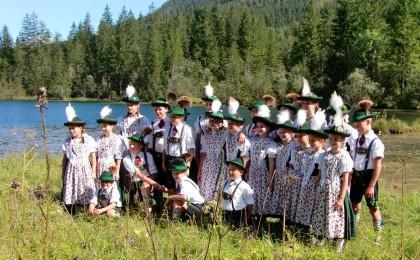 Jugendgruppe des Trachtenvereins D`Achentaler