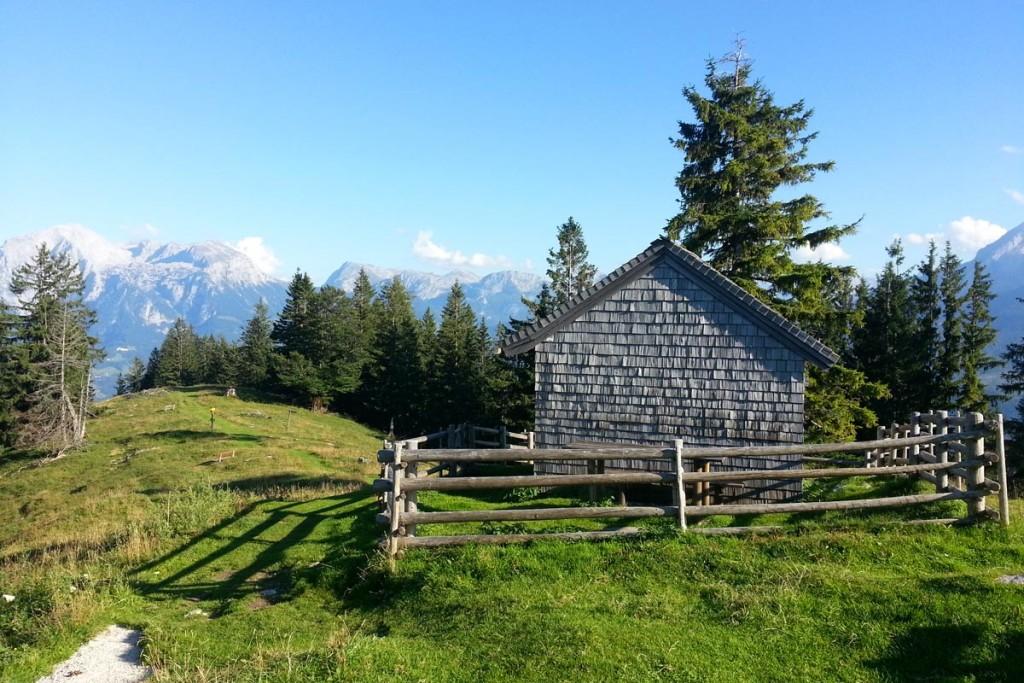 Die Betzold-Hütte, im Hintergrund Göll, Brett und Schneibstein