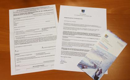Wahlunterlagen: Abstimmungsbenachrichtigung, Anschreiben des Landrats, Faltblatt