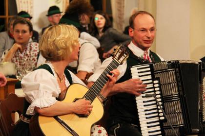 Die Wirtsleute vom Auzinger musizieren ©Mag. Kathrin Thoma-Bregar/PRESSE.TEXT