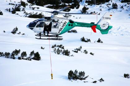 Polizei-Hubschrauber beim Bergwachteinsatz ©BRK BGL