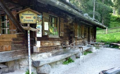 Die Brennhütte auf der Priesbergalm