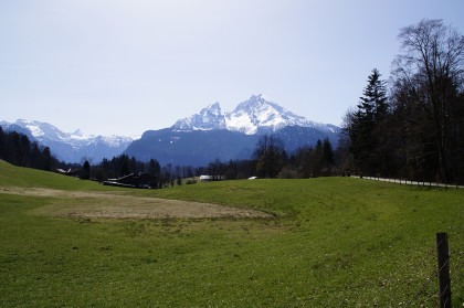 Vor der uns der Berg der Berge...