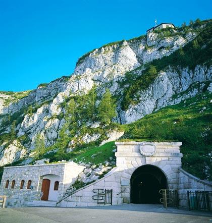 Tunnel zum Aufzug zum Kehlsteinhaus