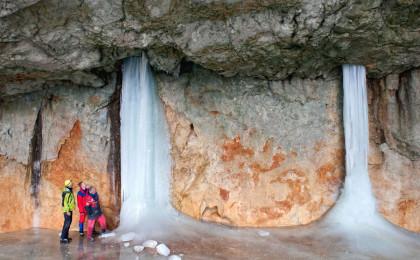 In der Schellenberger Eishöhle