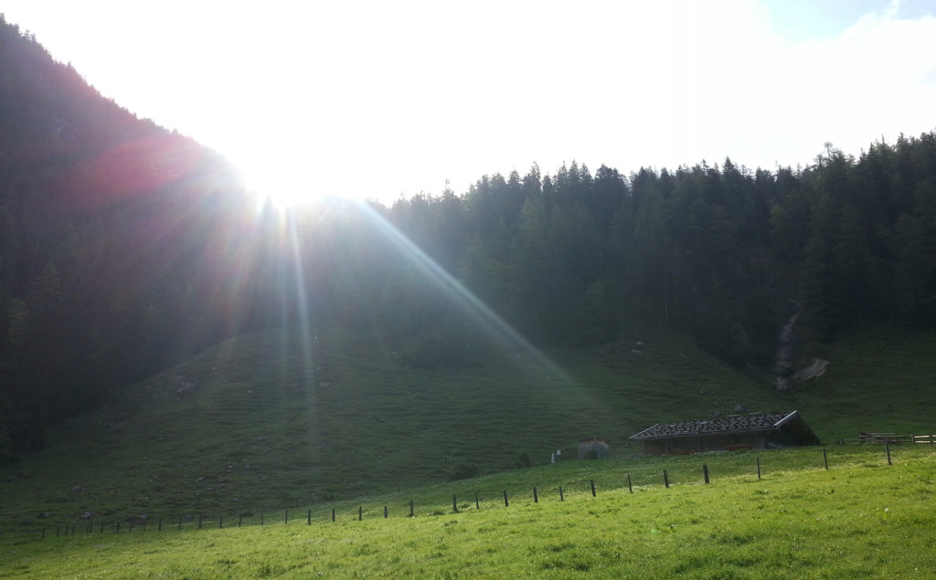 Sonnenaufgang auf der Bindalm