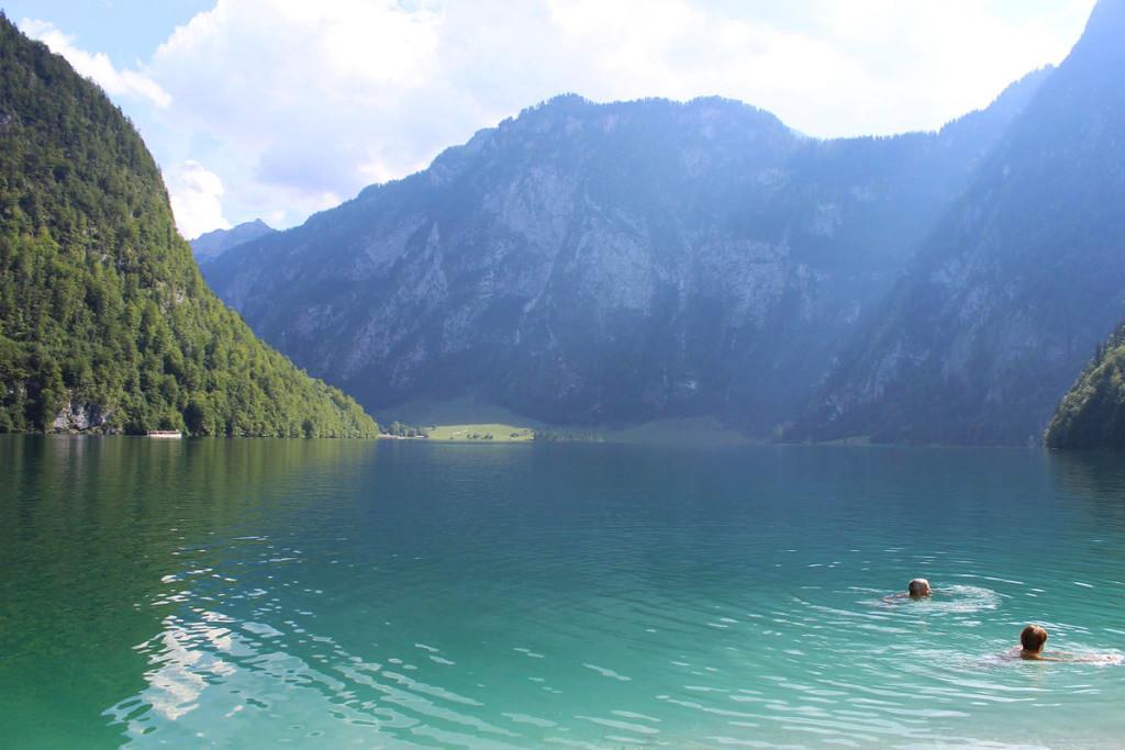 Abkühlung: Ein Bad im Königssee