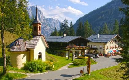 Hirschbichl: Pass zwischen Bayern und ÖsterreichHirschbichl: Passen zwischen Bayern und Österrecih