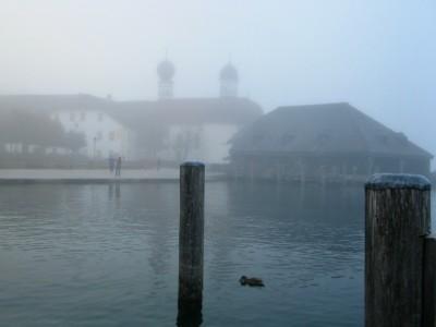 Königssee mit St. Bartholomä im Herbst