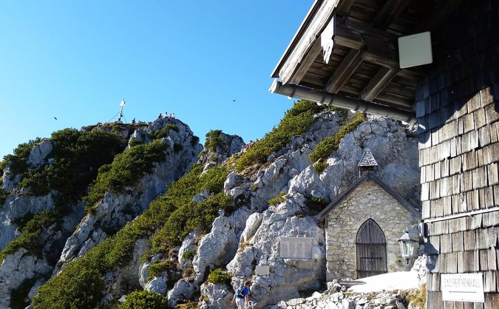Staufenkapelle und Gipfel von der Terrasse aus gesehen