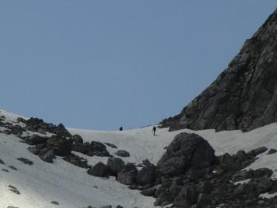 Bergsteiger am Hochgeschirr im Frühjahr