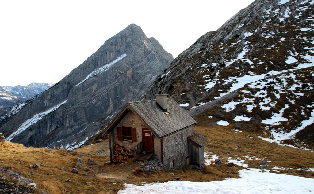 Nebengebäude mit Winterraum am Watzmannhaus
