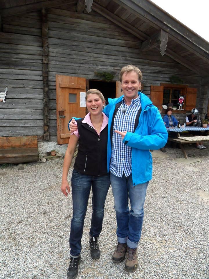 Moderator Stefan mit Sennerin Silvia