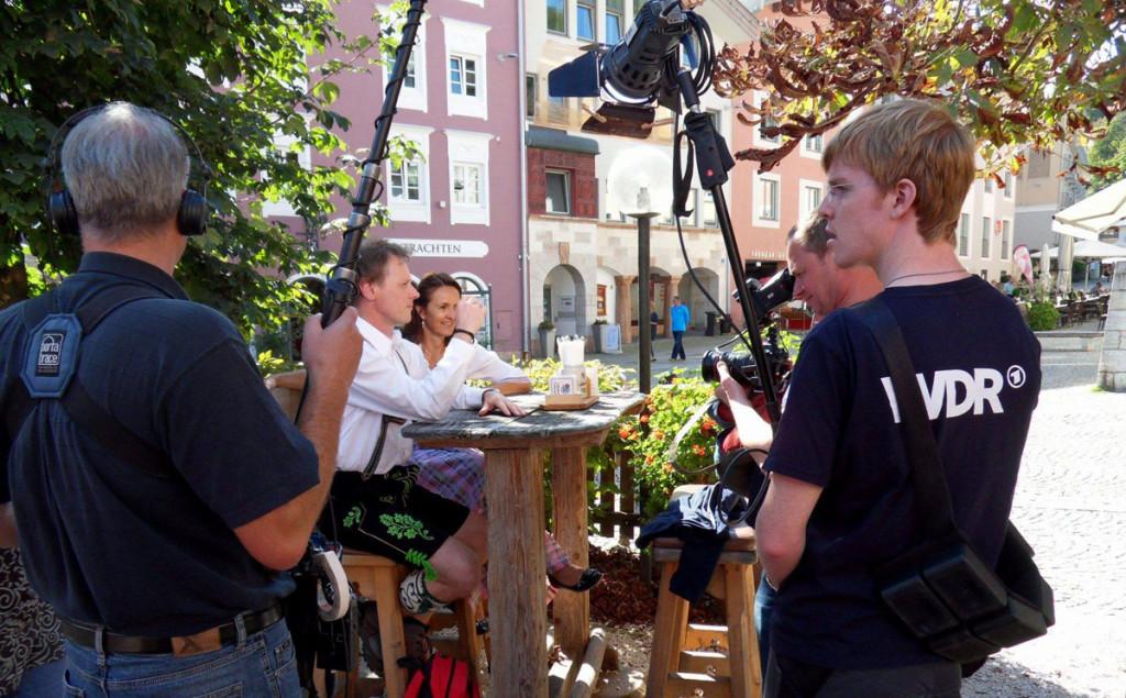 WDR-Moderator Stefan Pinnow mit Autorin Lisa Graf-Riemann