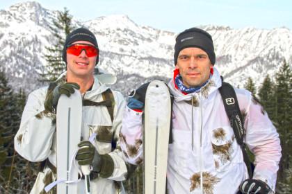 Hauptmann Stefan Killian und Hauptmann Rainer Hauke nach einem anstrengenden Trainingstag am Götschen.