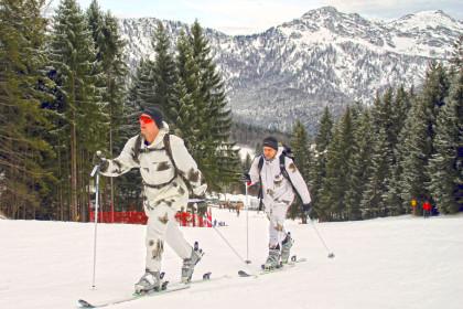 Trotz des milden Winters liegt genug Schnee für das Training