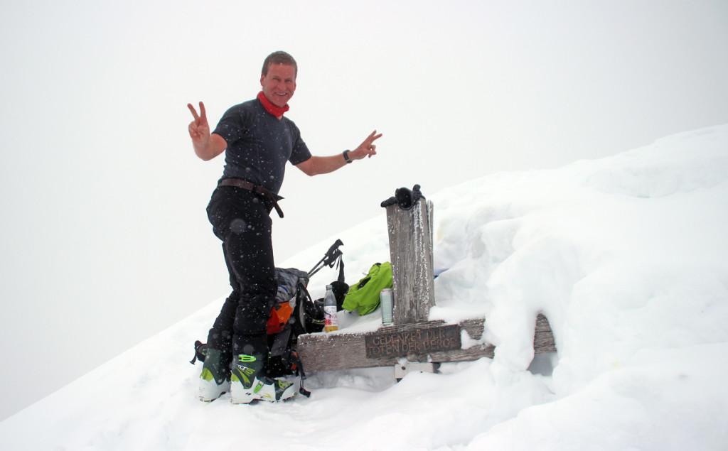 Zum Gipfelkreuz ging`s ohne Ski