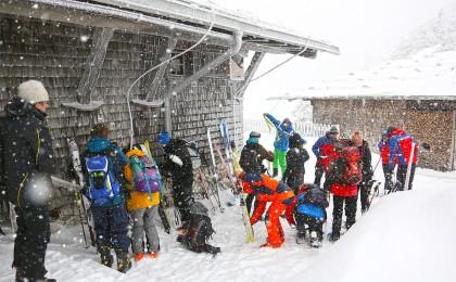 Lawinenseminar im dichten Schneetreiben