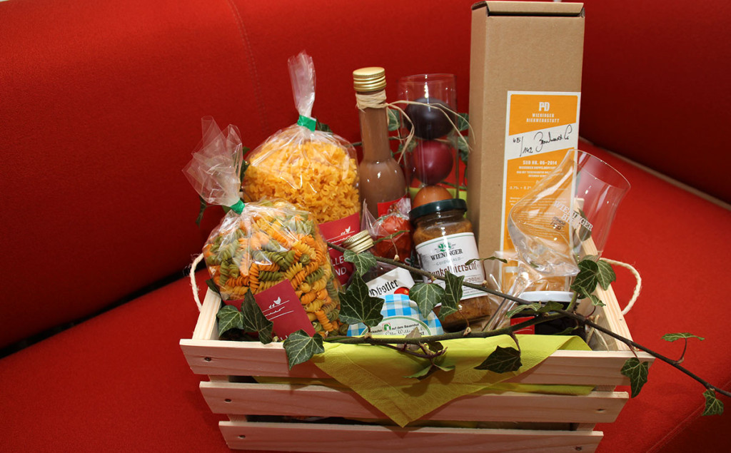 Rupertikörberl mit regionalen Produkten in Hofhammers Hofladen