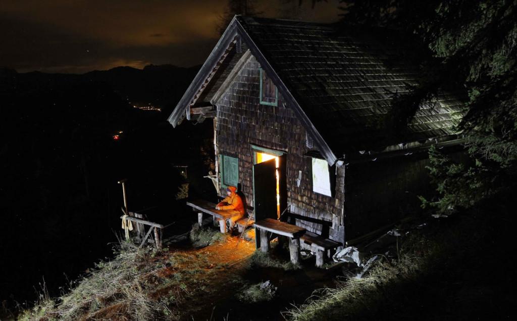 Schlegelalm Diensthütte bei Nacht