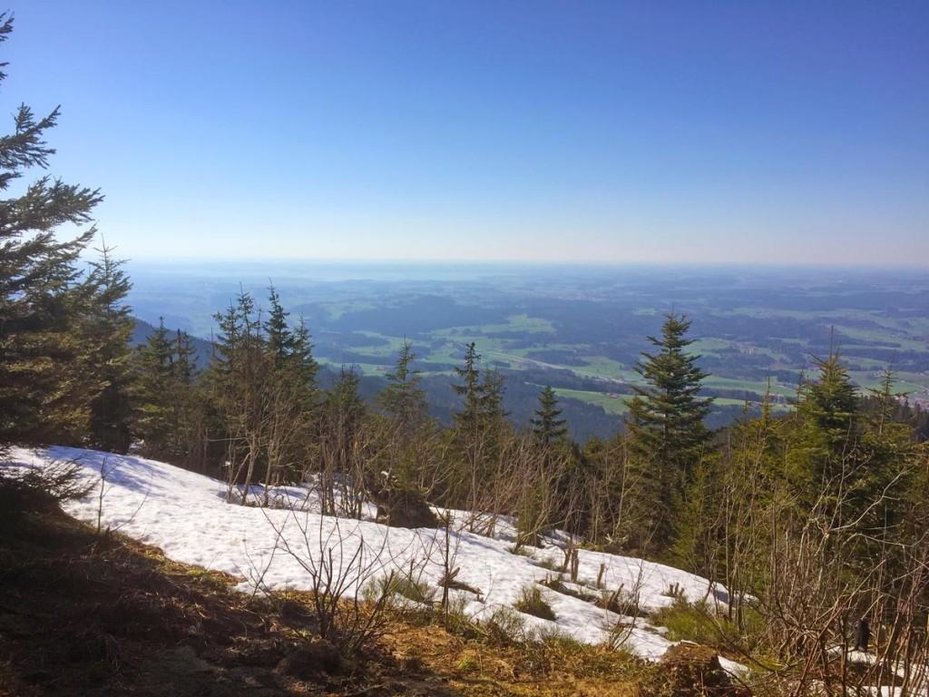 Blick vom Gipfel des Teisenberg mit Blick Richtung Chiemsee