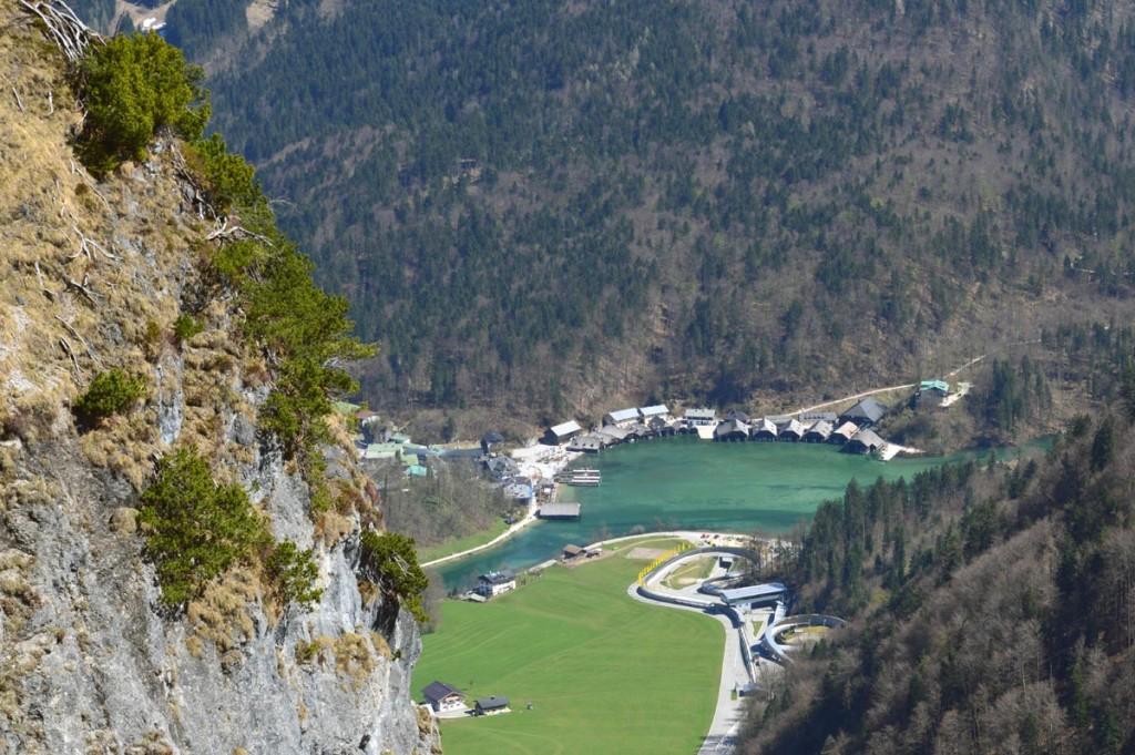 Tiefblick zum Königssee und zur Bobbahn