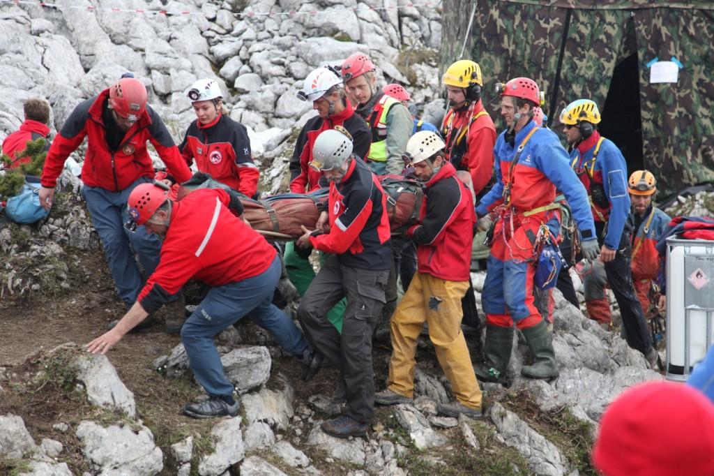 Rettung des verletzten Johann Westhauser aus dem Riesending © BRK BGL