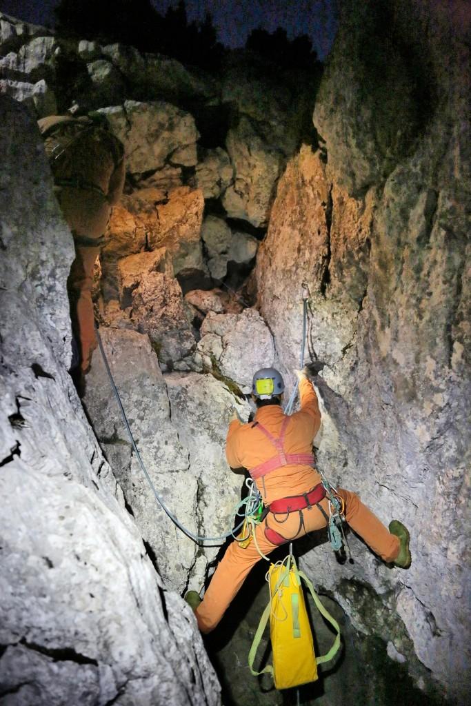 Arbeiten in der Riesending Höhle im Untersberg © BRK BGL