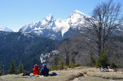 Sonnenbaden auf dem Grünstein mit Blick auf den Watzmann
