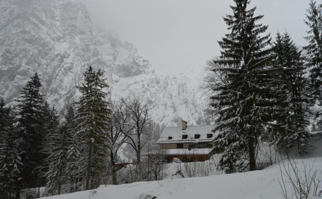 tiesfter Winter am Wimbachschloss